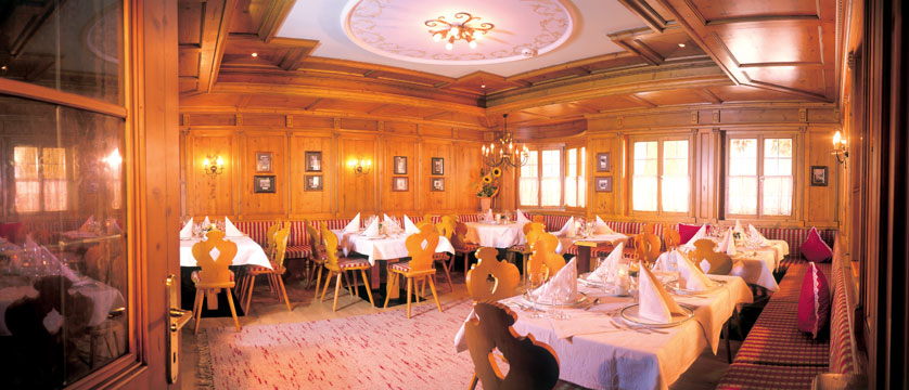 Activehotel Bergkönig, Neustift, Austria - Dining room.jpg